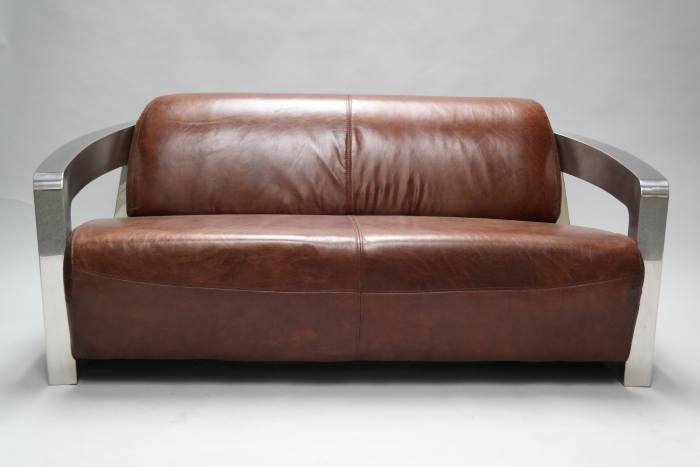mars ein exklusives clubsofa von designer timothy oulton. Black Bedroom Furniture Sets. Home Design Ideas